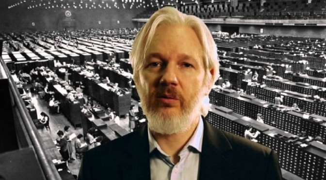 Julian Assange: This Is The REAL Reason Bernie Sanders Dropped Out Of The Race Usaaa1