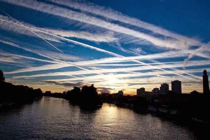 Mainstream Scientist Exposes the Dangerous Reality of Chemtrails and Geoengineering