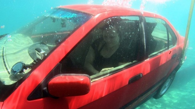 The Easiest Way to Escape a Sinking Vehicle, This Might Just Save Your Life One Day