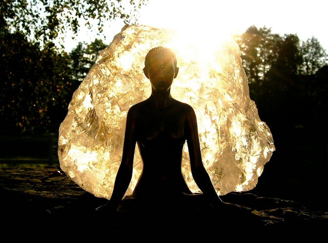 5 Ways Meditation Helps the Mind and Body